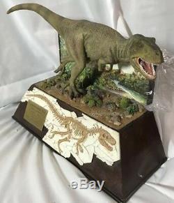 DANBURY MINT TYRANNOSAURUS REX BOX DINOSAUR FOSSIL T-Rex //NEW in Box//