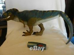 Jurassic Park Lost World Electronic Bull T-Rex JP28 Dinosaur with Pod