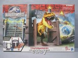 Jurassic World TYRANNOSAURUS REX LOCKDOWN 2015 Hasbro NEW