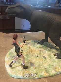 Lara croft tomb raider atlas eidos edition statue t-rex dinosaur figurine core