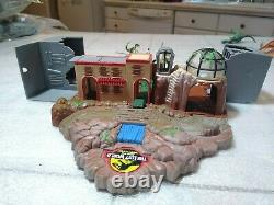 Microverse The Lost World Jurassic Park Lab Vehicle And Dinosaur Assortment