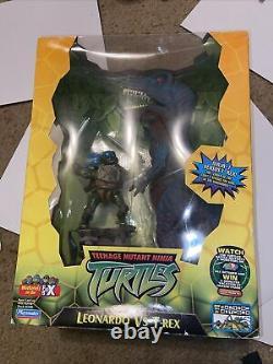 TMNT 2004 Playmates Deluxe Action Figure -Leo Vs T-Rex Brand New
