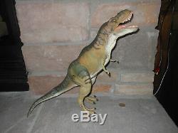 The Lost World Jurassic Park Thrasher Tyrannosaurus rex T. Rex dinosaur figure