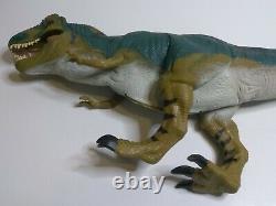 VINTAGE 1997 Hasbro JURASSIC PARK LOST WORLD BULL T-REX JP28 Dinosaur RARE